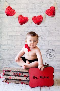 valentine valentine photo shoot Best baby photo shoot ideas at Kinder Valentines, Valentines Day Baby, Valentines Day Pictures, Valentine Nails, Valentine Ideas, Valentine Mini Session, Valentine Picture, New Baby Pictures, Baby Boy Photos
