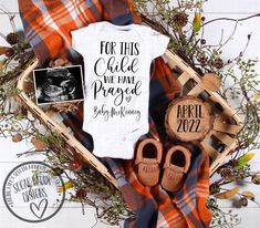 Cute Baby Announcements, Baby Announcement Pictures, Country Baby Announcement, Thanksgiving Pregnancy Announcement, Halloween Pregnancy Announcement, Rainbow Baby, Baby Decor, Future Baby, Baby Love