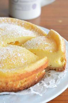 クリームチーズではなく、スライスチーズで作る「半熟チーズケーキ」 クリームチーズがなくても、とっても美味しく焼き上がります クリームチーズと比べて低コストだし、チーズの香りがとってもいい香り しっかりと焼きたい方は、時間を10分程度延長してくださいね ...