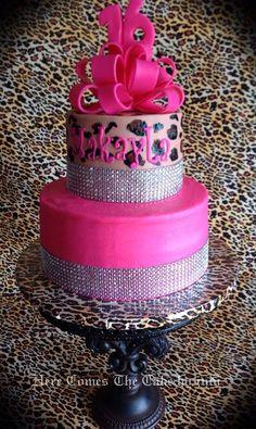 Hot pink and cheetah cake