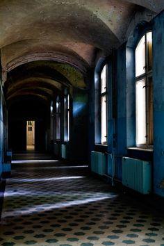 Slivers; Beelitz Heilstätten © opacity.us