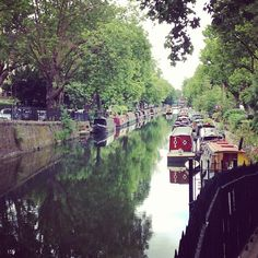 One of the nicest things to do in London is to wander around different neighborhoods on a nice day. The canals in Little Venice (also called Maida Vale) are lovely and are dotted with pubs and cafes where you can stop for a drink or some food.