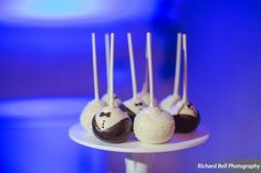 Closeup of the bride & groom cake pops at the McClanahan & Elliott wedding | Photo credit Richard Bell Photography #weddingcupcakes