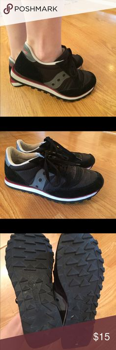 Saucony Jazz 7.5 tennis shoes Saucony Jazz tennis shoes, women's size 7.5 in very good condition. Worn maybe a dozen times. Black, gray, red, and white. Very comfortable, good walking shoes. Saucony Shoes Sneakers