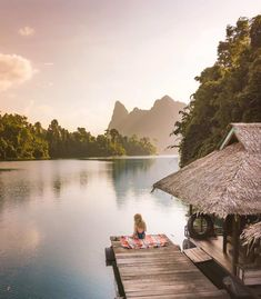 Where to stay, how to do a tour and what are the things can I do in Khao Sok National Park? All these answers in one Khao Sok National Park guide. Khao Sok National Park, National Park Tours, Parc National, National Parks, Thailand Travel Backpacking, Thailand Travel Tips, Asia Travel, Thailand Vacation, Croatia Travel