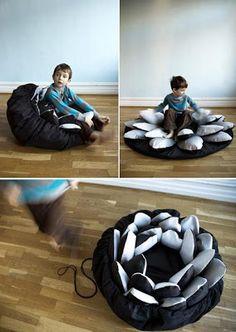Creative Beanbags and Cool Bean Bag Chair Designs - Part Flower Bean Bag. Sewing Pillows, Diy Pillows, Grey Leather Chair, Cool Bean Bags, Diy Chair, Chair Tips, Ikea Chair, Chair Makeover, Idee Diy