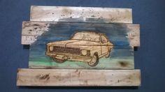 """Painel em madeira de pallets com desenho """"Opala"""" em pirogravura e aquarela.   É possível gravar um pequeno texto no espaço abaixo do Opala com pirogravura. Enviar mensagem para a vendedora."""