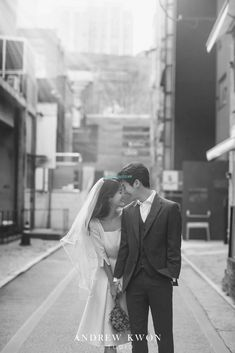 korea Andrew kwon wedding studio 2019 new photography Korea Wedding Photography Lim s Wedding Story - Pre Wedding Poses, Pre Wedding Photoshoot, Wedding Couples, Wedding Pictures, Korean Wedding Photography, Foto Instagram, Wedding Story, Wedding Styles, Engagement Shots
