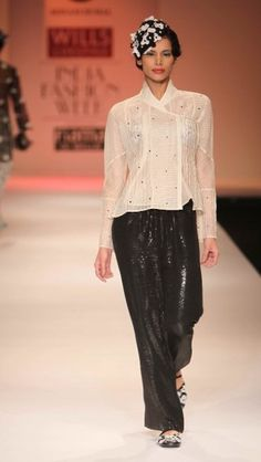 """""""Wills Lifestyle India Fashion Week SS Day 3 by Sonam Dubal Wills Lifestyle, Lifestyle Clothing, Natural Fiber Clothing, Weather In India, Backpacking India, India Culture, India Fashion Week, Visit India, India Food"""