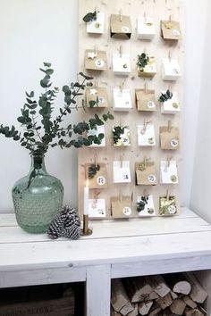 KARWEI   Dit jaar geen scheurkalender maar een mooie zelfgemaakte adventskalender. Doe er vervolgens je eigen cadeau's, snoepjes of spreuken in.