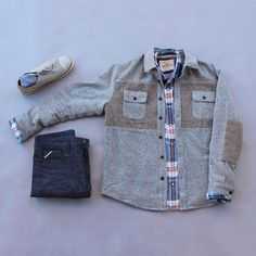 Casual Saturday has arrived! Weekend will be filled with errands and activities. I'm looking forward to it. What are your plans this weekend? Flannel: @hollisterco Jacket: @jachsny Selvedge Denim: @sosobrothers Socks: @richerpoorer Shoes: @jshoes
