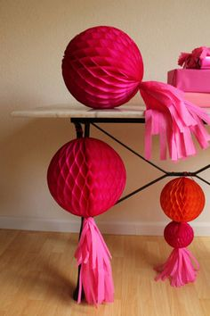 How to make a tassel for a paper honeycomb...