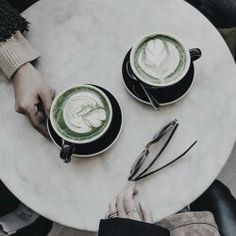 Slytherin aesthetic mood Harry Potter green silver and black. Coffee and chats. Aesthetic slytherin coffee date