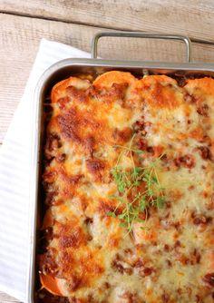 lindastuhaug - lidenskap for sunn mat og trening Scandinavian Food, Moussaka, Small Meals, Food For Thought, Nom Nom, Food Porn, Food And Drink, Low Carb, Yummy Food