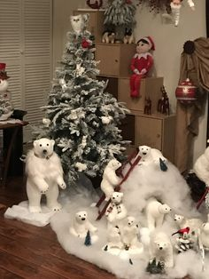 truly gorgeous indoor christmas decoration ideas page 7 Silver Christmas Decorations, Cool Christmas Trees, Woodland Christmas, Christmas Tree Themes, Noel Christmas, Xmas Tree, Christmas Crafts, Christmas Ornaments, Polar Bear Christmas Decorations