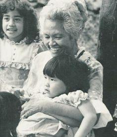"Keao NeSmith's Master's thesis ""Tūtū's Hawaiian and the Emergence of a Neo Hawaiian Language,"" describes two types of Hawaiian language in existence today: Traditional Hawaiian and Neo Hawaiian."