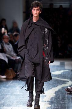 Yohji Yamamoto Fall 2016 Menswear Collection Photos - Vogue
