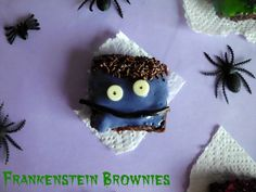 Frankenstein Brownie Bites | www.pinkrecipebox.com