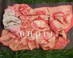 Women's Heavy Cotton Silk Cgreen and pink saree with | Etsy Pure Georgette Sarees, Banarasi Sarees, Pure Silk Sarees, Loom Craft, Free Fabric Swatches, Fabric Beads, Pink Saree, Handmade Dresses, Wedding Wear