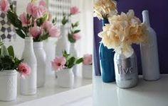 Aprenda como fazer tintura em garrafas de vidro com efeito esmaltado