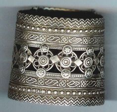 "A very fine ""open work"" silver cuff from India, posted by Linda Pastorino on ""ethnic jewels""."