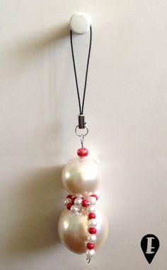 Decorazione natalizia ciondolo pupazzo di neve  di ELISABETOWN #snowman #Crhistmas #decoration #addobbo #Natale #winter #albero #tree #pearls #perle #handmade