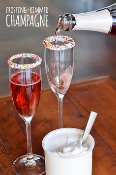 Make a festive cocktail rim. HOW-TO: Spread any flavor frosting into the lid of the frosting can. Roll the rim of a glass into the frosting and then dip in sprinkles, chocolate shavings or crushed candy bars. Desserts and a night cap all rolled into one. - Frosting hack