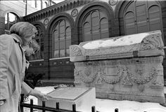 Visitors looking at Tomb of Andrew Jackson in front of the Arts and Industries Building. Graveyard Shift, High School History, Halloween Gif, Andrew Jackson, History Channel, Archive, Building, Happy, Night Shift