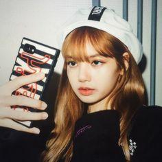 Lalisa Manoban, our queen! Kim Jennie, Girls Generation, Square Two, Rapper, Lisa Blackpink Wallpaper, Lisa Bp, Blackpink Photos, Blackpink Fashion, Blackpink Jisoo