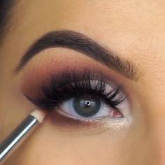 how to do makeup Eye Makeup Tips, Makeup Videos, Makeup Trends, Skin Makeup, Eyeshadow Makeup, Makeup Inspo, Makeup Inspiration, Unique Makeup, Cute Makeup