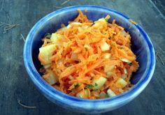 Nalewka ukraińska | Palce Lizać Pear Salad, Carrot Salad, Shredded Carrot, Carrots, Cabbage, Curry, Vegetables, Baby Shower, Fancy