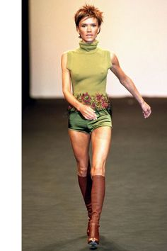 19 celebrities who have walked the catwalk: Victoria Beckham for Maria Grachvogel Fall 2000.