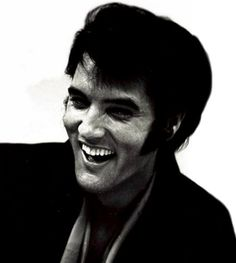 ELVIS AT A PRESS CONFERENCE IN 1969 ANNOUNCING HIS RETURN TO THE STAGE