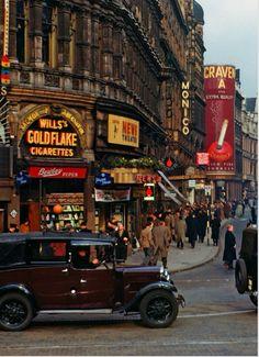 Piccadilly Circus- circa 1949