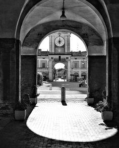 #architecture #arteitaliana #art #a #canon #design #foto_italiane #red #igers #instagood #ig_italy #igs #igworldclub #igersitalia #moda #b #instafashion #instafollow #milano #milanodavedere #scatti_italiani #instagay #gay #like4like #vsc by cercolo