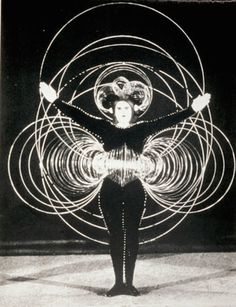 The far-out sci-fi costume parties of the Bauhaus school in the 1920s | Dangerous Minds
