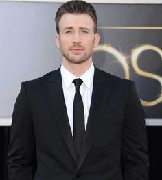 Chris Evans' face makes me weeeeeaaaaaaak