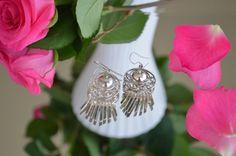 Graceful silver earrings. #weddingplanner #weddingplanning #wedding #beautifuljewelry #sensualjewelry #designjewelry