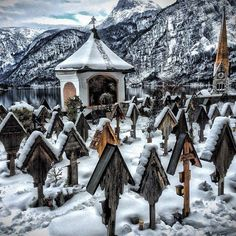 These cemeteries are hauntingly beautiful: Hallstatt, Austria.
