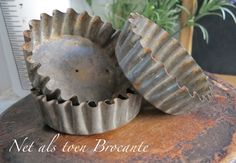 oude brocante bakvorm rond gekarteld