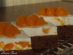 Tortulete cu mandarine si chefir Romanian Desserts, Russian Desserts, Romanian Food, My Favorite Food, Favorite Recipes, Kefir, Bakery, Sweet Treats, Cheesecake