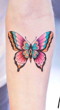 Inspirar tattoo old school, tatuagem old school, feminine tattoos, butterfl Colorful Butterfly Tattoo, Butterfly Tattoos For Women, Butterfly Tattoo Designs, Tattoos For Women Small, Life Tattoos, Body Art Tattoos, Sleeve Tattoos, Tatoos, Traditional Butterfly Tattoo