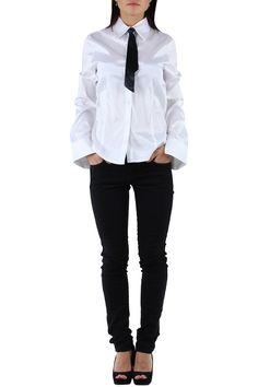Camisa de manga larga de mujer con detalle corbata Condición:  Nuevo Composición 95% algodón, 5% elastano Categoría Camisas Paquetes 6 unidades mezcla colores Los paquetes de cada color o mezclados Tamaño : M, L, XL De color Blanco o Negro  mayorista de ropa Camisas al por mayor: http://intueriecommerce.com/es/