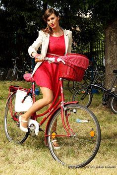 Sewing a bike strap on bag