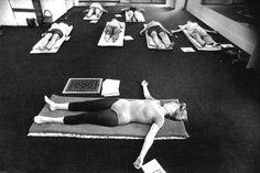 1977: Hatha yoga class ... #vintageyoga #yogahistory #1970s #yoga #yogalife #yogaworld #om #hathayoga