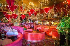 Resultado de imagem para table setting restaurant on valentine day