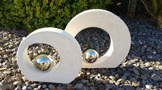 Beton Deko Objekt mit einer Ausparung für eine Silber Kugel oder ähnliches(keine Mulde für Kugel etc. dies müsste dann befestigt werden mit einem Kleber, bspw. Montagekleber oder Silikon) ...ganz...