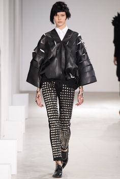 See the complete Junya Watanabe Fall 2015 Ready-to-Wear collection.