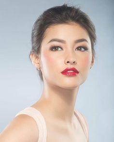Liza Soberano (Philippines/US) Beautiful Eyes, Most Beautiful Women, Beautiful People, Beauty Makeup, Hair Makeup, Hair Beauty, Filipina Beauty, Woman Face, Sensual