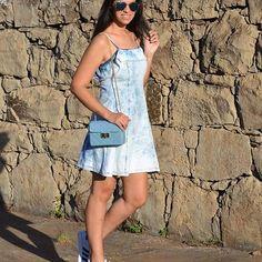 Bom diaaaa! Mais uma com o meu vestidinho muso e super comfy @maica_melo porque eu sou dessas. 💙💙💙 #ootd